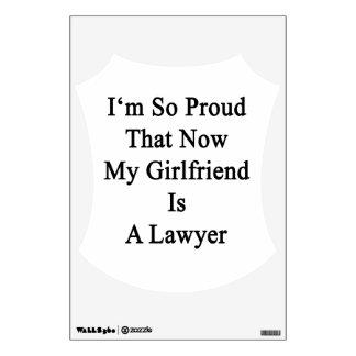Soy tan orgulloso que ahora mi novia es abogado