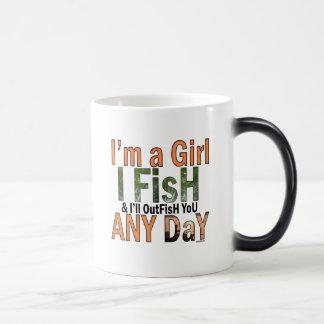 Soy un chica y hacia fuera le pescaré cualquier taza mágica