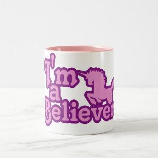 Soy un creyente en unicornios taza de dos tonos