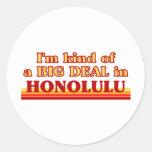 Soy un poco una GRAN COSA en Honolulu Etiquetas Redondas