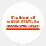 Soy un poco una GRAN COSA en Huntington Beach Etiquetas Redondas