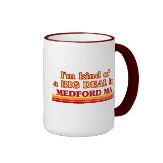 Soy un poco una GRAN COSA en Medford Taza A Dos Colores
