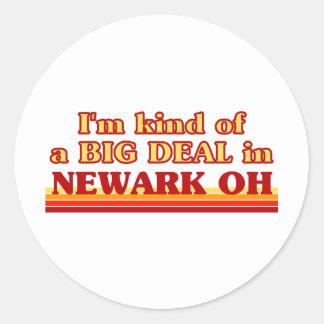 Soy un poco una GRAN COSA en Newark Etiquetas Redondas