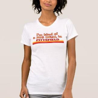 Soy un poco una GRAN COSA en Pittsfield Camiseta