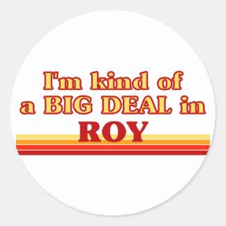 Soy un poco una GRAN COSA en Roy Etiquetas Redondas