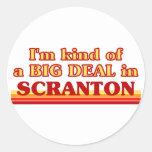 Soy un poco una GRAN COSA en Scranton Pegatina