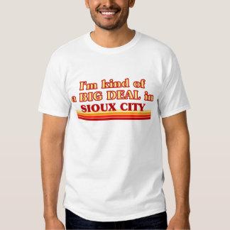 Soy un poco una GRAN COSA en Sioux City Playera