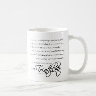 Soy un Triathlete - escritura Taza Básica Blanca