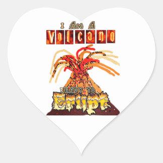 Soy un volcán listo para entrar en erupción pegatina en forma de corazón