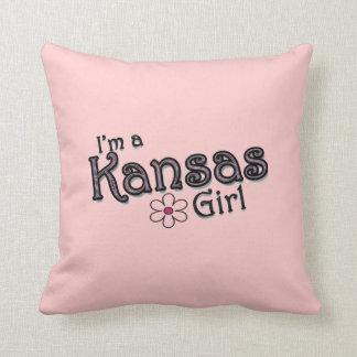 Soy una flor del chica de Kansas, me ruborizo almo Cojin