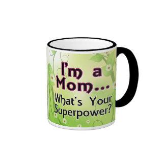 Soy una mamá… Cuál es su superpotencia Taza De Dos Colores