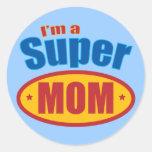 Soy una mamá estupenda pegatina redonda