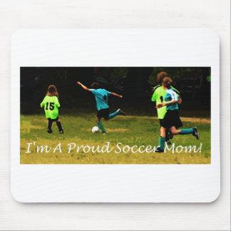 ¡Soy una mamá orgullosa del fútbol! Tapetes De Ratones