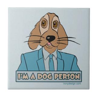 Soy una persona del perro azulejo cuadrado pequeño