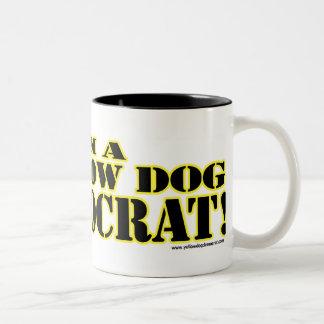 Soy una taza de Demócrata del perro amarillo