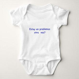 Soy yo nuevamente en problemas? baby bodysuit