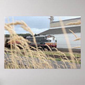 "SP Black Widow Leads Fertilizer Train (19""x13"") Print"