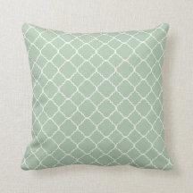 Spa Light Sage Green White Quatrefoil Throw Pillow