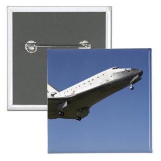 Space shuttle Atlantis approaching Runway 33 2 Button