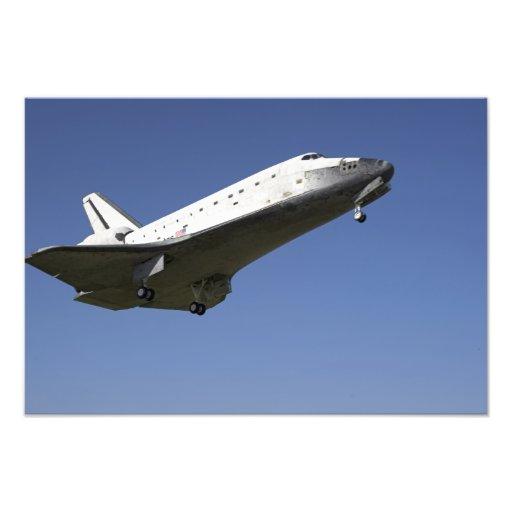 Space shuttle Atlantis approaching Runway 33 2 Photo Art