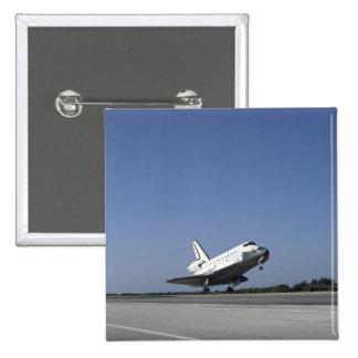 Space shuttle Atlantis approaching Runway 33 Button