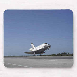 Space shuttle Atlantis approaching Runway 33 Mouse Pad