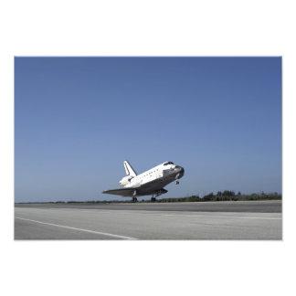 Space shuttle Atlantis approaching Runway 33 Photo Print