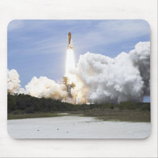 Space Shuttle Atlantis lifts off 28 Mouse Pad
