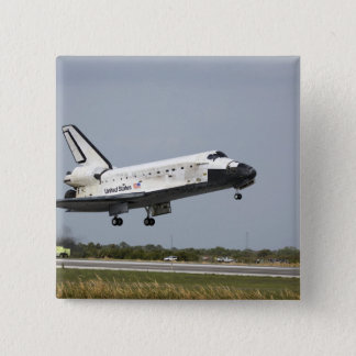 Space Shuttle Discovery approaches landing 3 Button