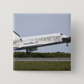 Space Shuttle Discovery approaches landing 4 Button