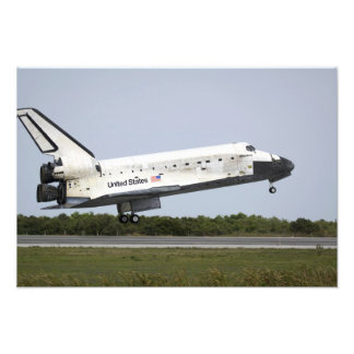 Space Shuttle Discovery approaches landing 4 Photo Print