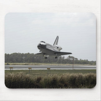 Space Shuttle Discovery approaches landing Mouse Pad