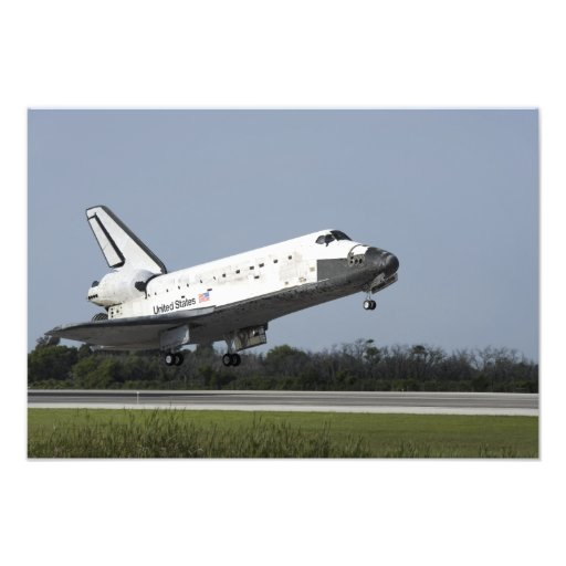 Space shuttle Discovery lands on Runway 33 2 Photo Print