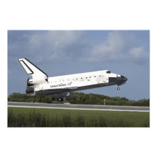 Space shuttle Discovery lands on Runway 33 3 Photo