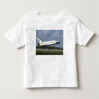 Space shuttle Discovery lands on Runway 33 3 Tshirts