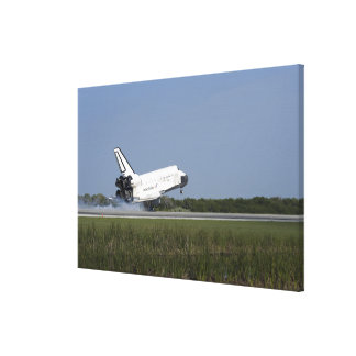Space shuttle Discovery lands on Runway 33 4 Canvas Print