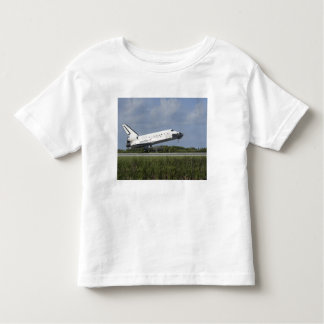 Space shuttle Discovery lands on Runway 33 Shirt