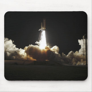 Space shuttle Discovery lifts off Mouse Pad