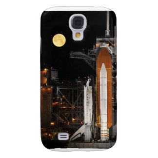 Space Shuttle Discovery on Launch Pad Samsung Galaxy S4 Covers
