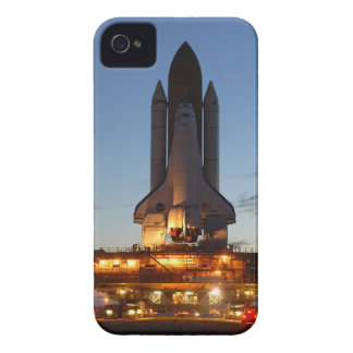 Space Shuttle Discovery on launch pad Case-Mate iPhone 4 Case