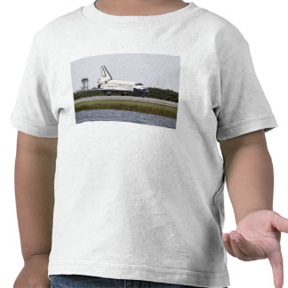 Space Shuttle Discovery on the runway Tshirts