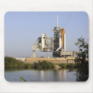 Space Shuttle Discovery sits ready 3 Mouse Pad