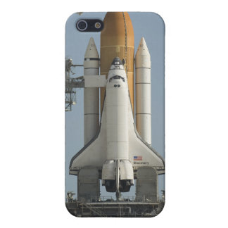 Space Shuttle Discovery sits ready iPhone SE/5/5s Cover
