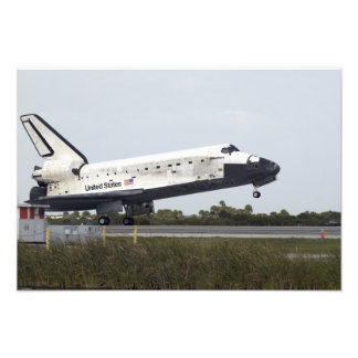 Space Shuttle Discovery touches down 2 Photo Print