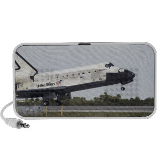 Space Shuttle Discovery touches down Travelling Speakers