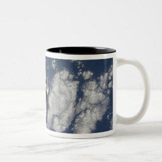 Space Shuttle Endeavour 10 Two-Tone Coffee Mug