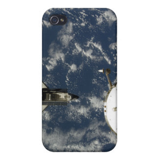 Space Shuttle Endeavour and a Soyuz spacecraft iPhone 4/4S Case