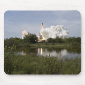 Space Shuttle Endeavour lifts off 6 Mouse Pad
