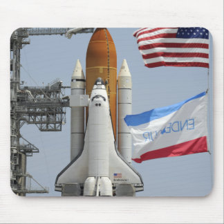 Space Shuttle Endeavour on the launch pad 3 Mouse Pad