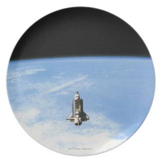 Space Shuttle in Orbit 3 Party Plate